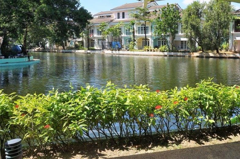 Family Villa Home Boat Lagoon, Private Berth
