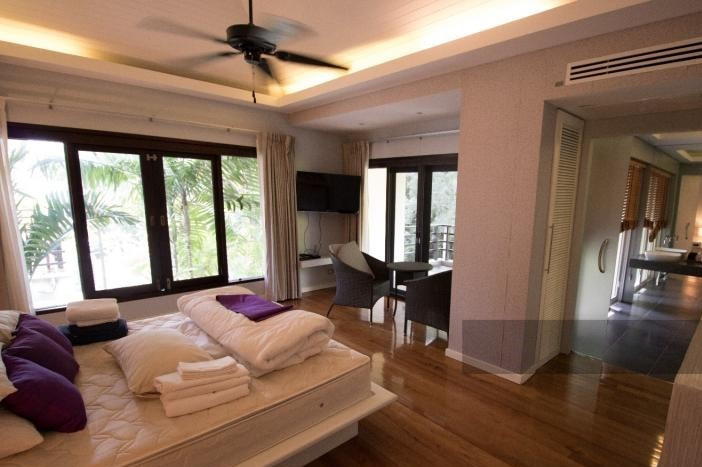 3-bed-apartment-beach-front-bang-tao-phuket-15