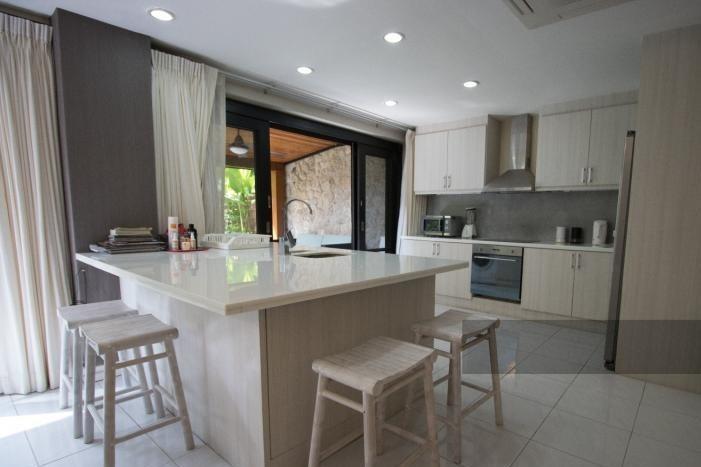 3-bed-apartment-beach-front-bang-tao-phuket-5