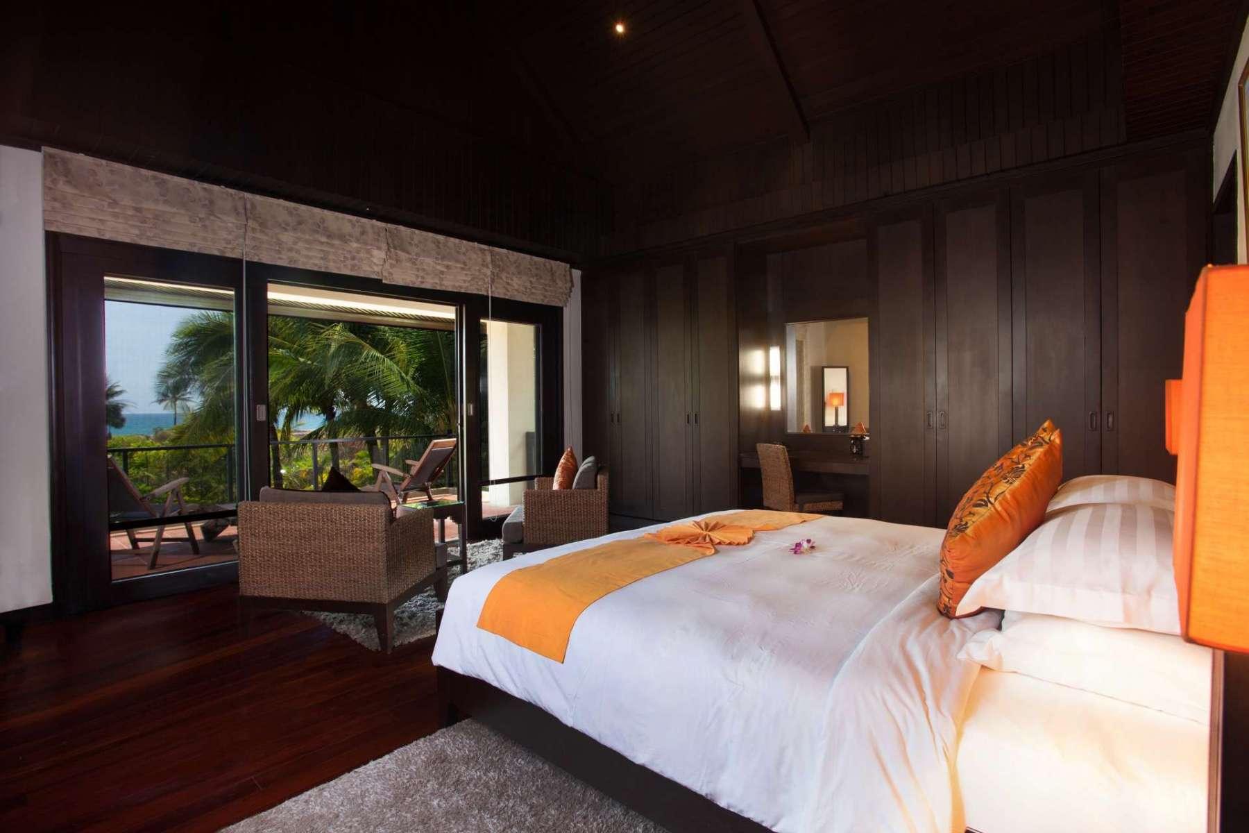 Large-Luxury-Villa-Home-For-Sale-Phuket-Beachfront-Bang-Tao-Thailand-39