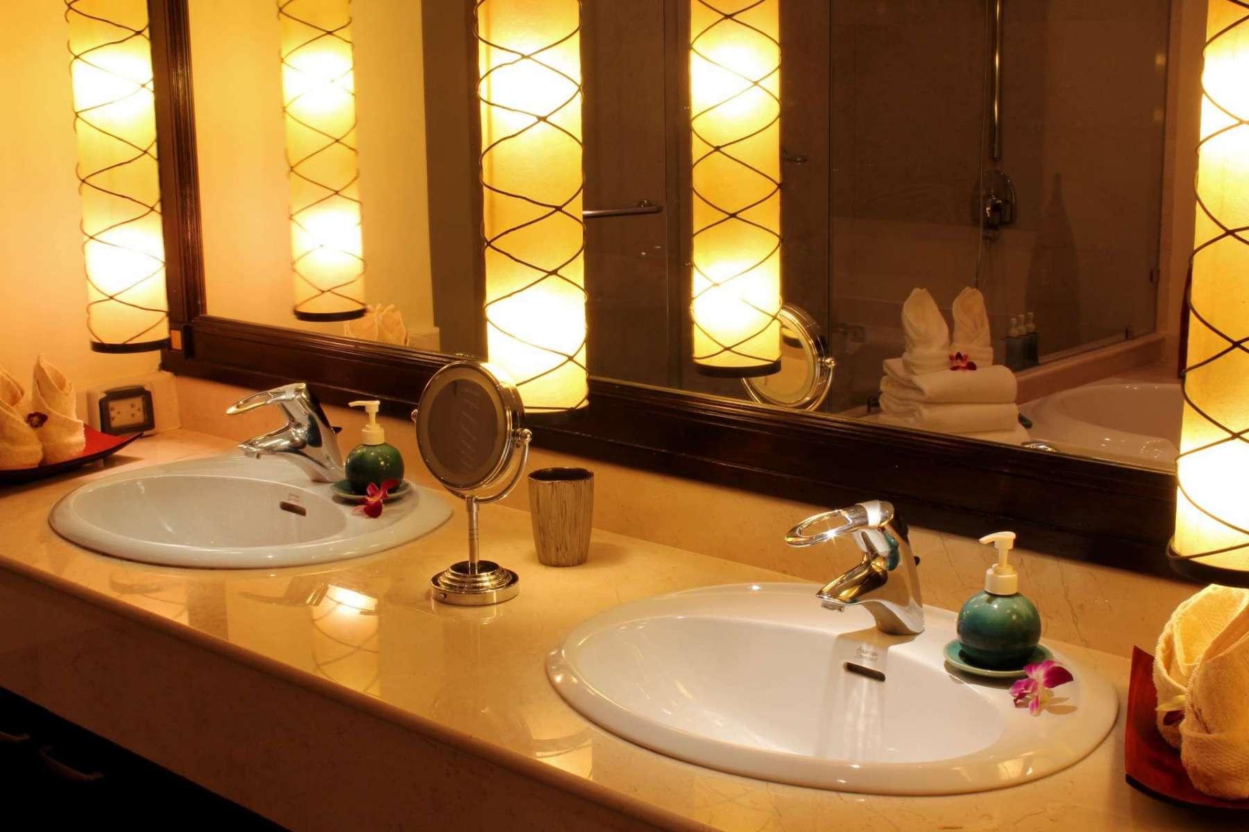 Large-Luxury-Villa-Home-For-Sale-Phuket-Beachfront-Bang-Tao-Thailand-41