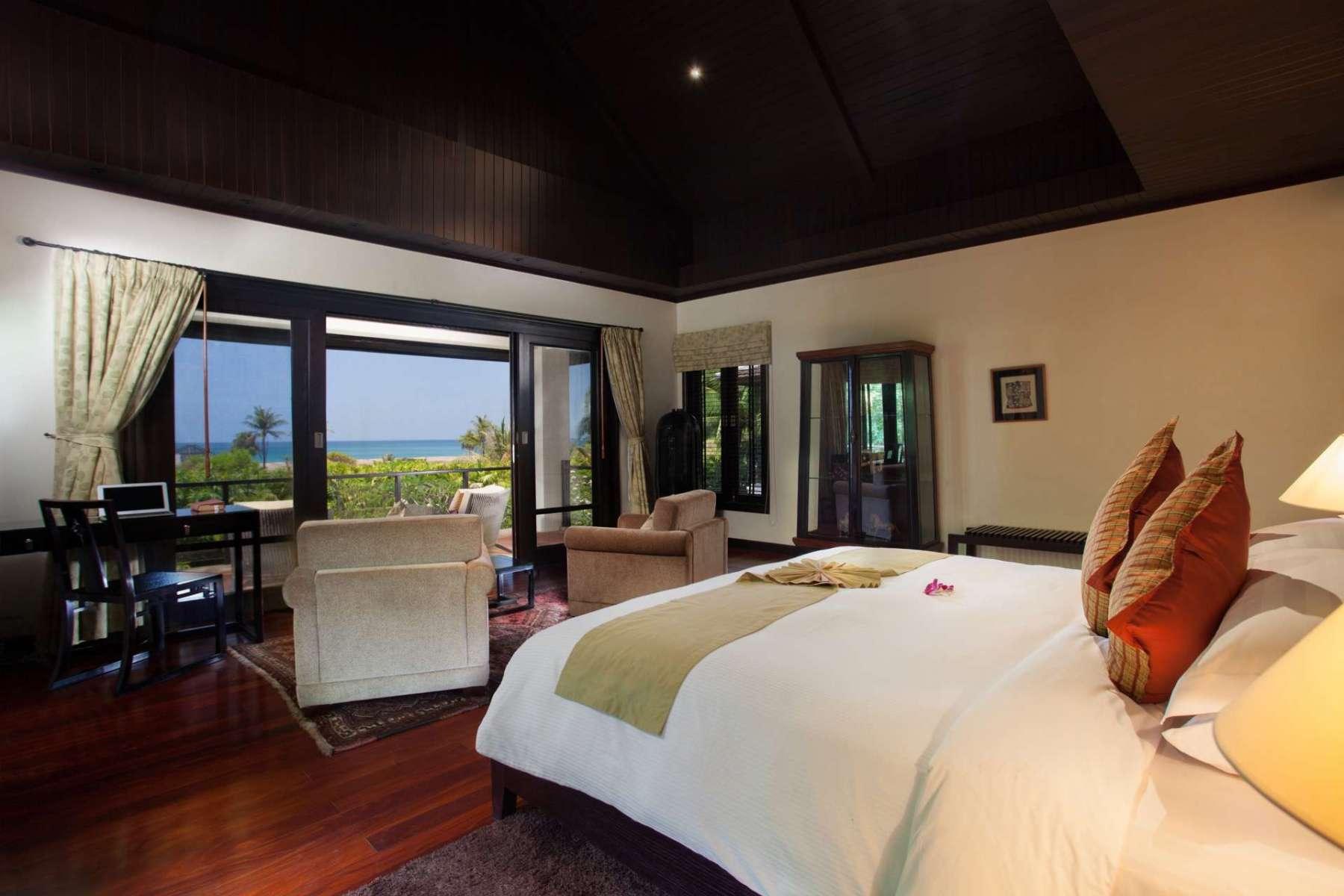 Large-Luxury-Villa-Home-For-Sale-Phuket-Beachfront-Bang-Tao-Thailand-42